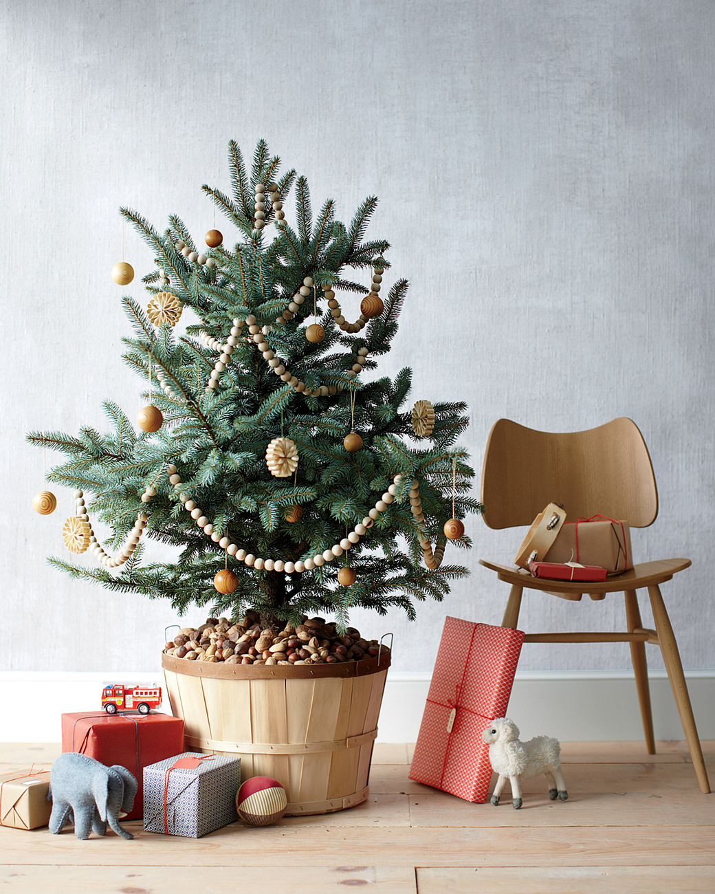Diy attractive christmas tree stadn