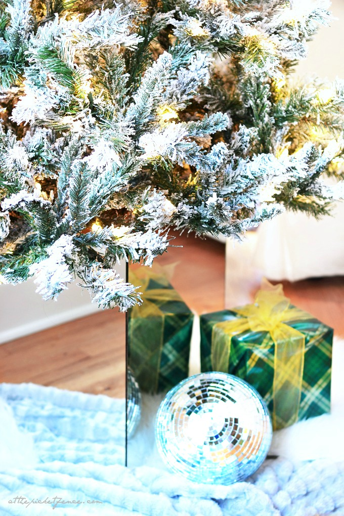 Diy mirrored christmas tree stand