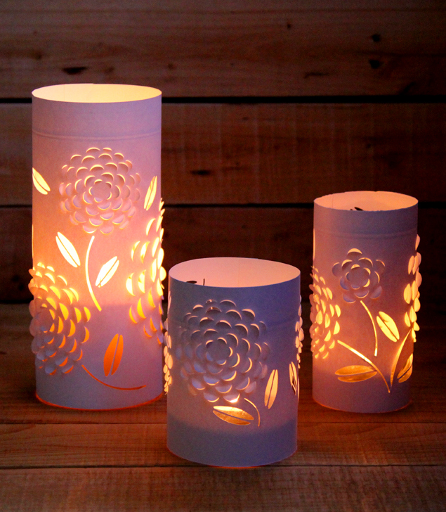 Dimensional flower luminaries