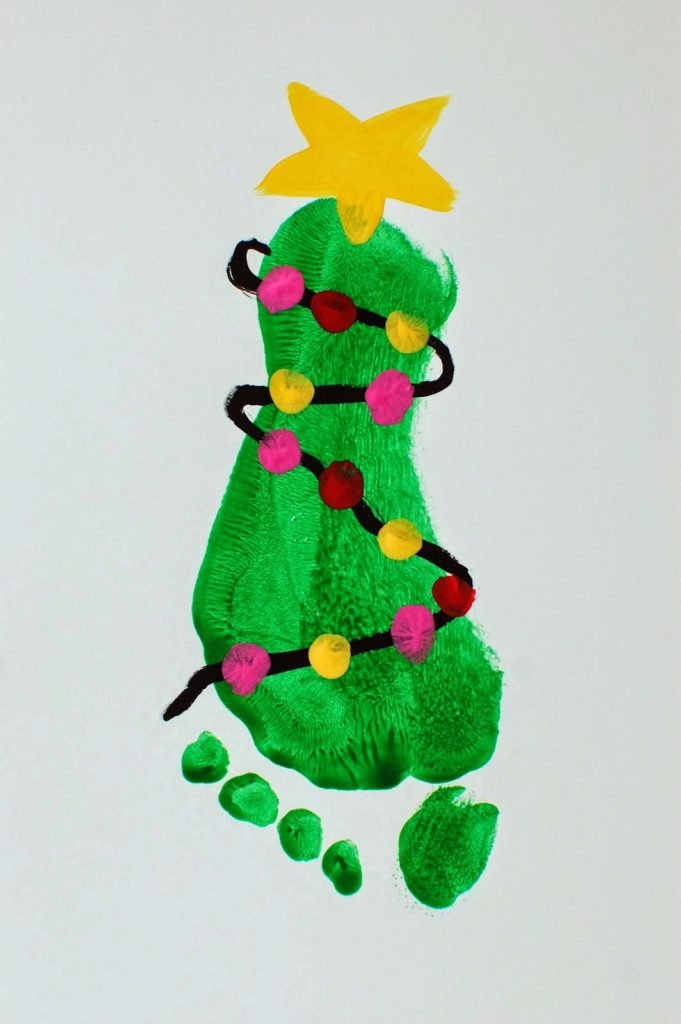 Footprint christmas tree painting