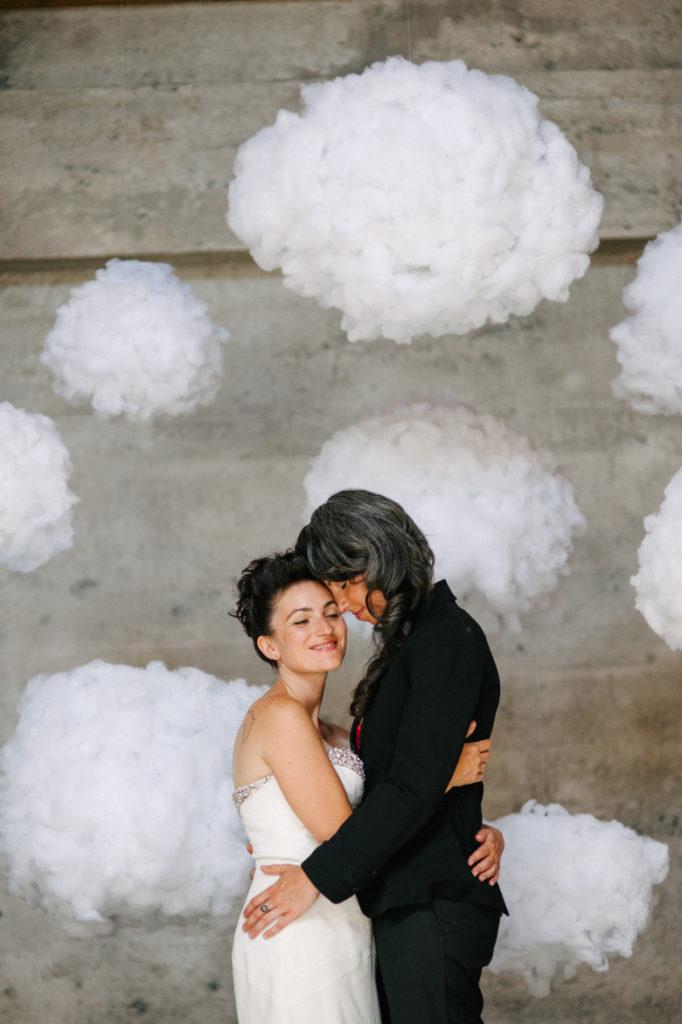 Hanging cloud photo backdrop