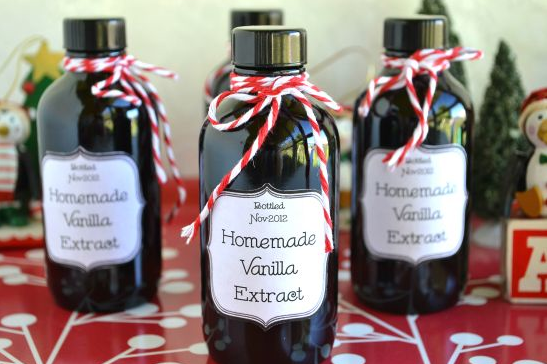 Homemade vanilla bean extract - DIY Christmas Gift Ideas For Coworkers