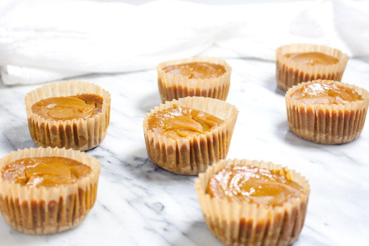 Mini pumpkin pies bake