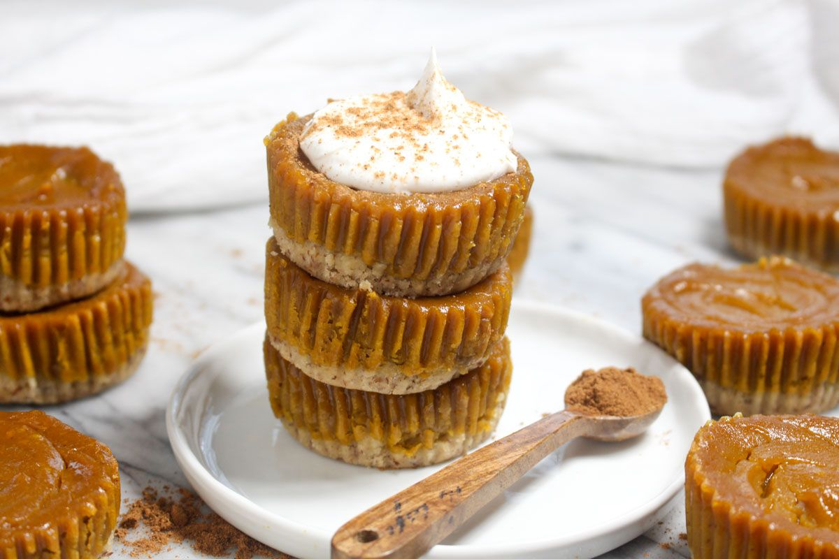 Mini pumpkin pies desert