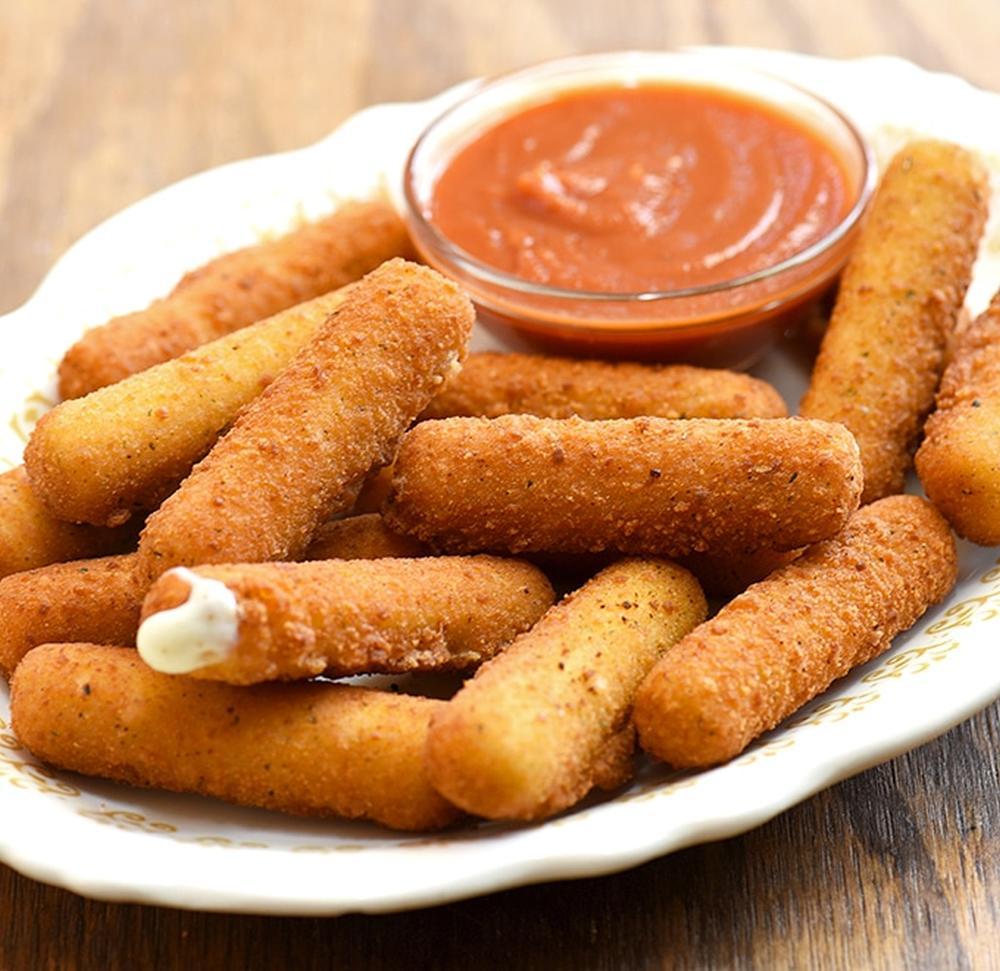 Mozzarella sticks with marinara sauce thanksgiving appetizers