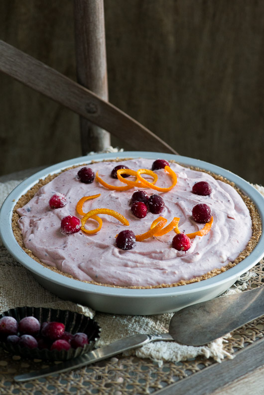 No bake fluffy cranberry cream cheese pie 3
