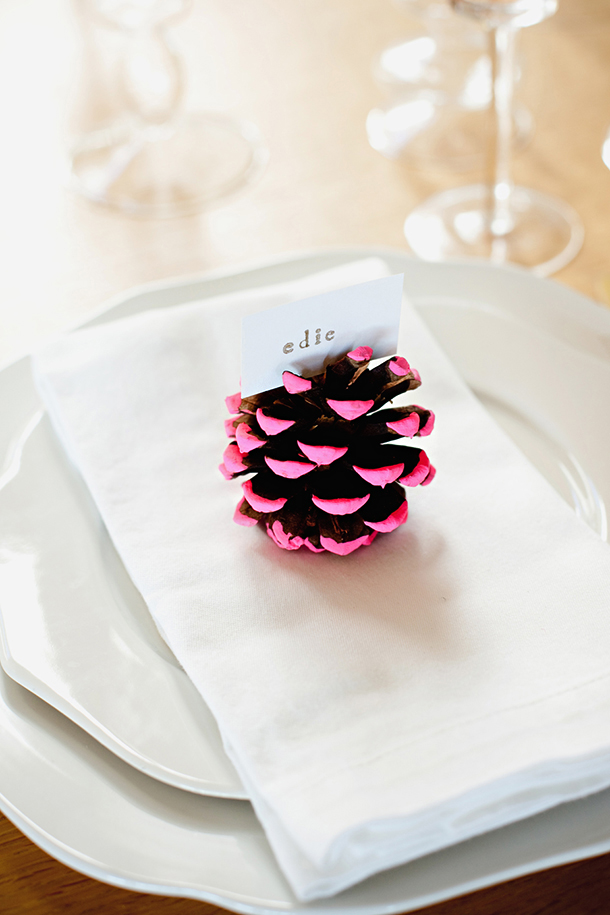 Painted pine cone place card diy