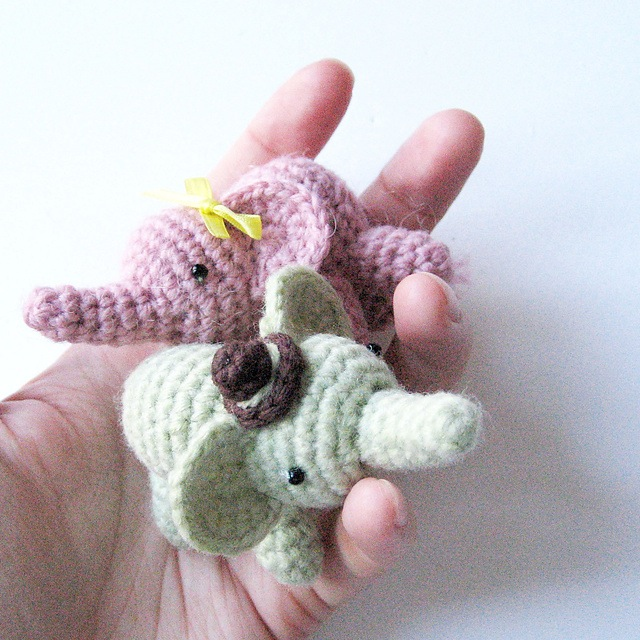 Percy the elephant amigurumi