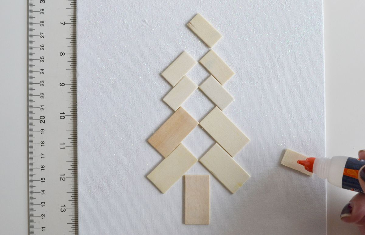 Scandinavian christmas tree art glue