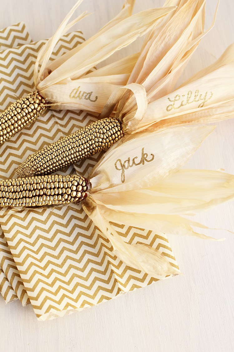 Thanksgiving place holders corn diy