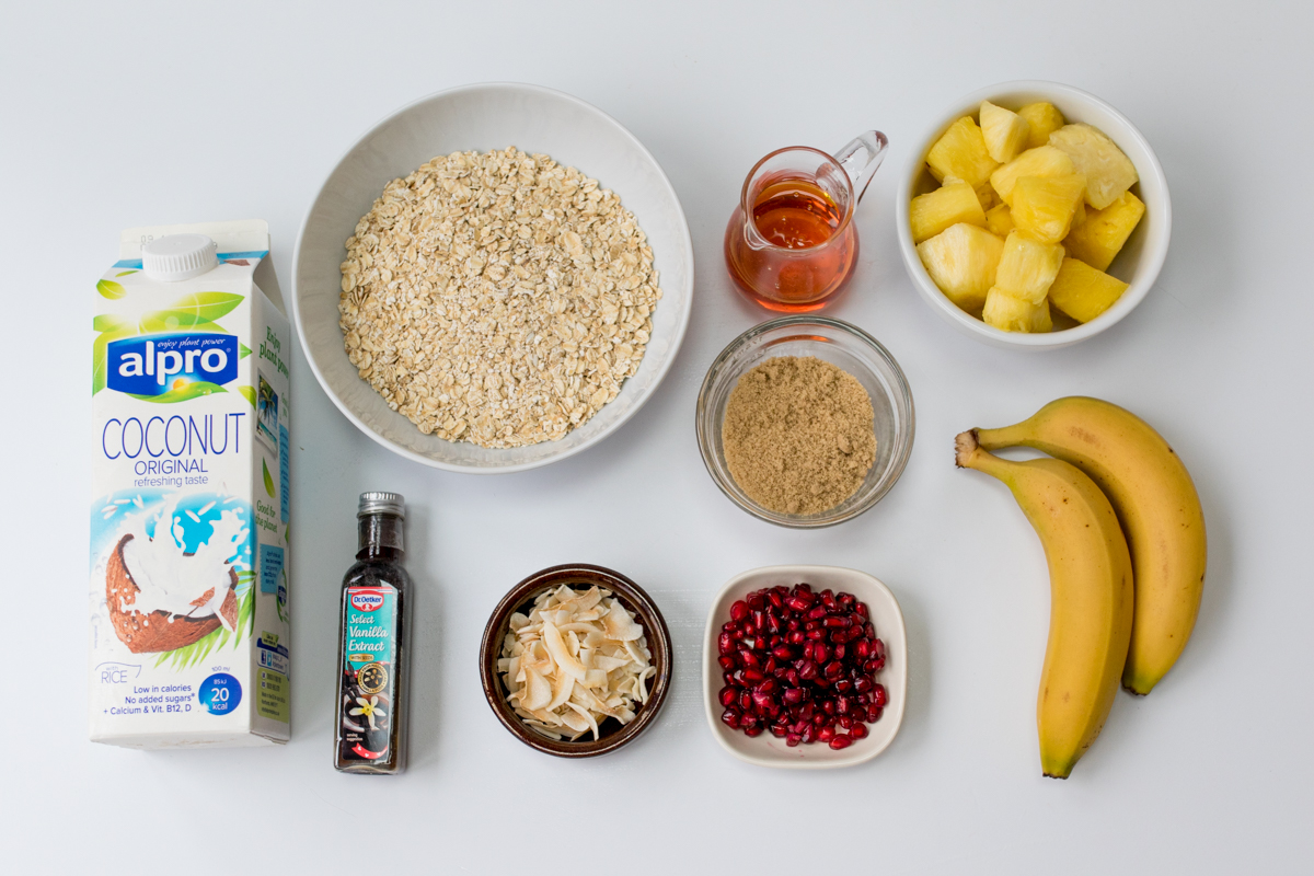 Tropical oatmeal with caramelized fruit ingredients