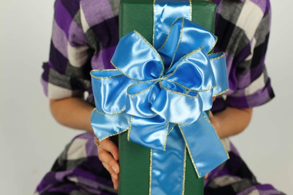 Ultimate ribbon gift bow