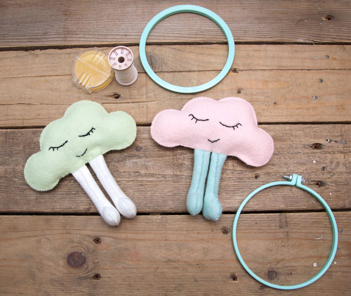 Baby cloud mobile pregnancy gift idea