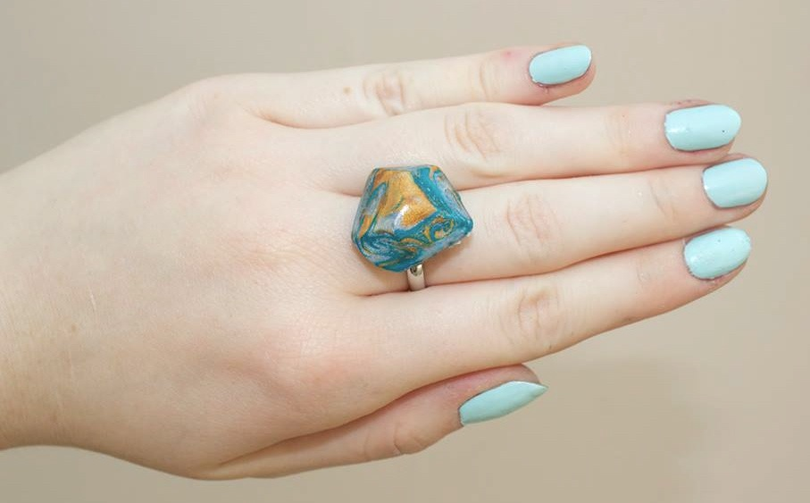 Blue gemstone ring diy