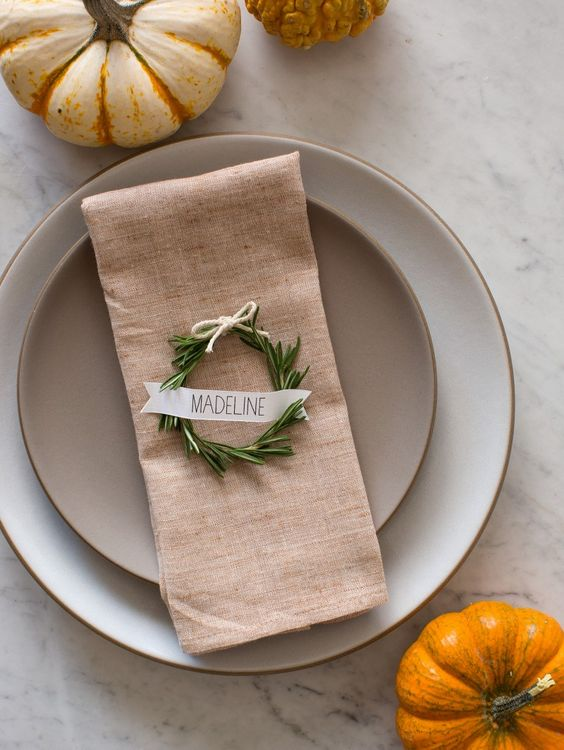 Diy rosemary wreath place cards