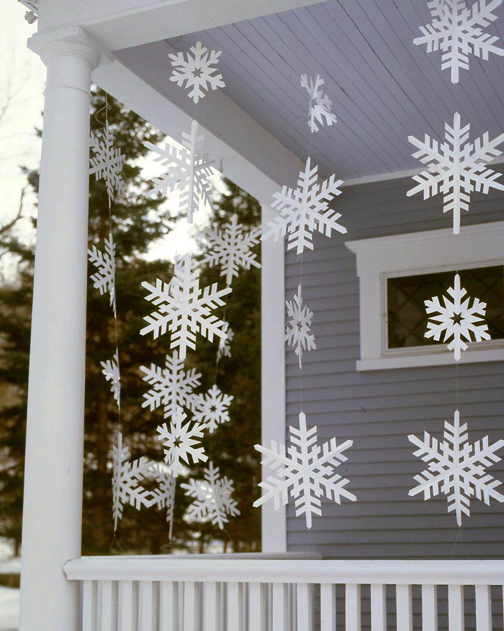 Diy snowflakes garland