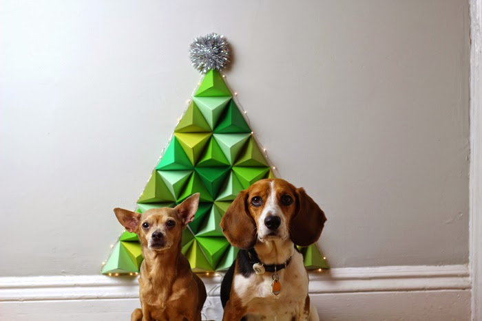 Geo dog christmas tree