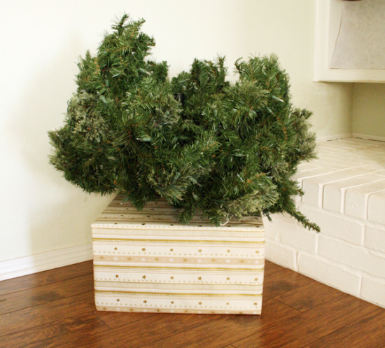 Gift tree base diy