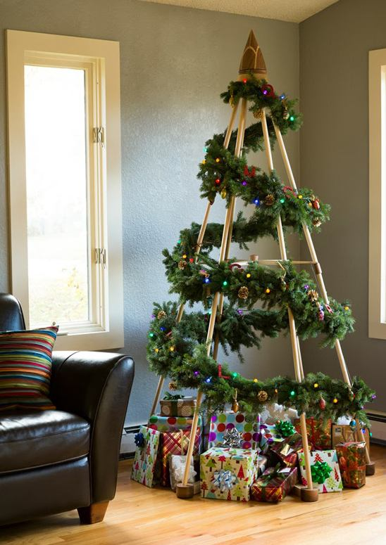 22 modern christmas trees to get inspired from this season garland teepee modern alternative christmas trees solutioingenieria Image collections