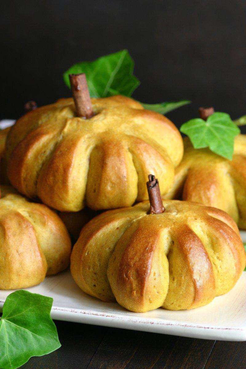 Sweet pumpkin buns