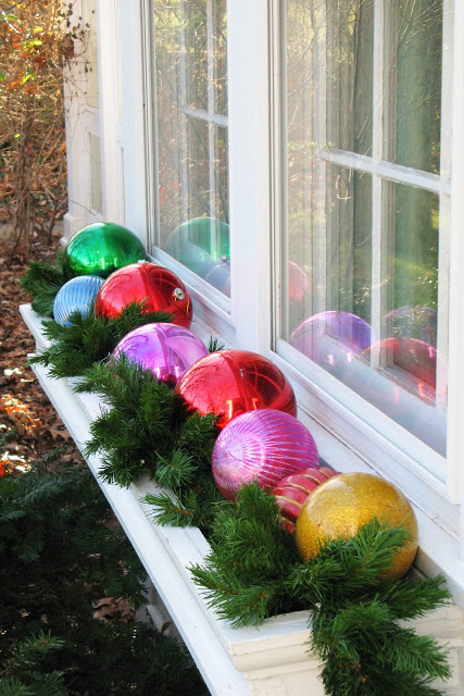 Window box ornaments
