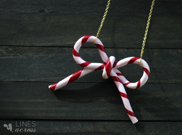 Candy cane bow necklace