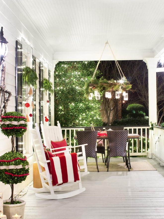 50 front porch christmas decor ideas to make this year Traditional outdoor christmas decorations