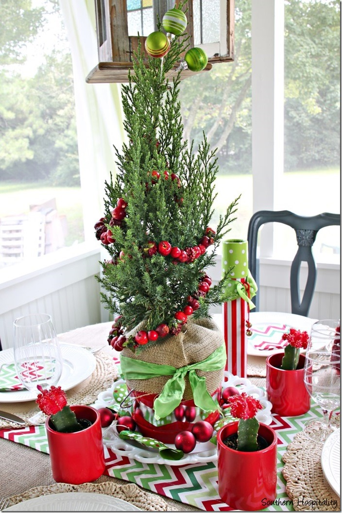 Christmas centerpiece red and green thumb