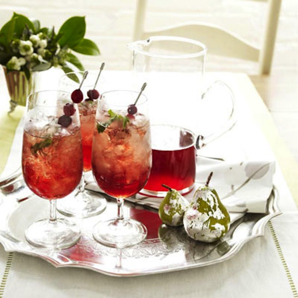 Christmas cranberry juleps