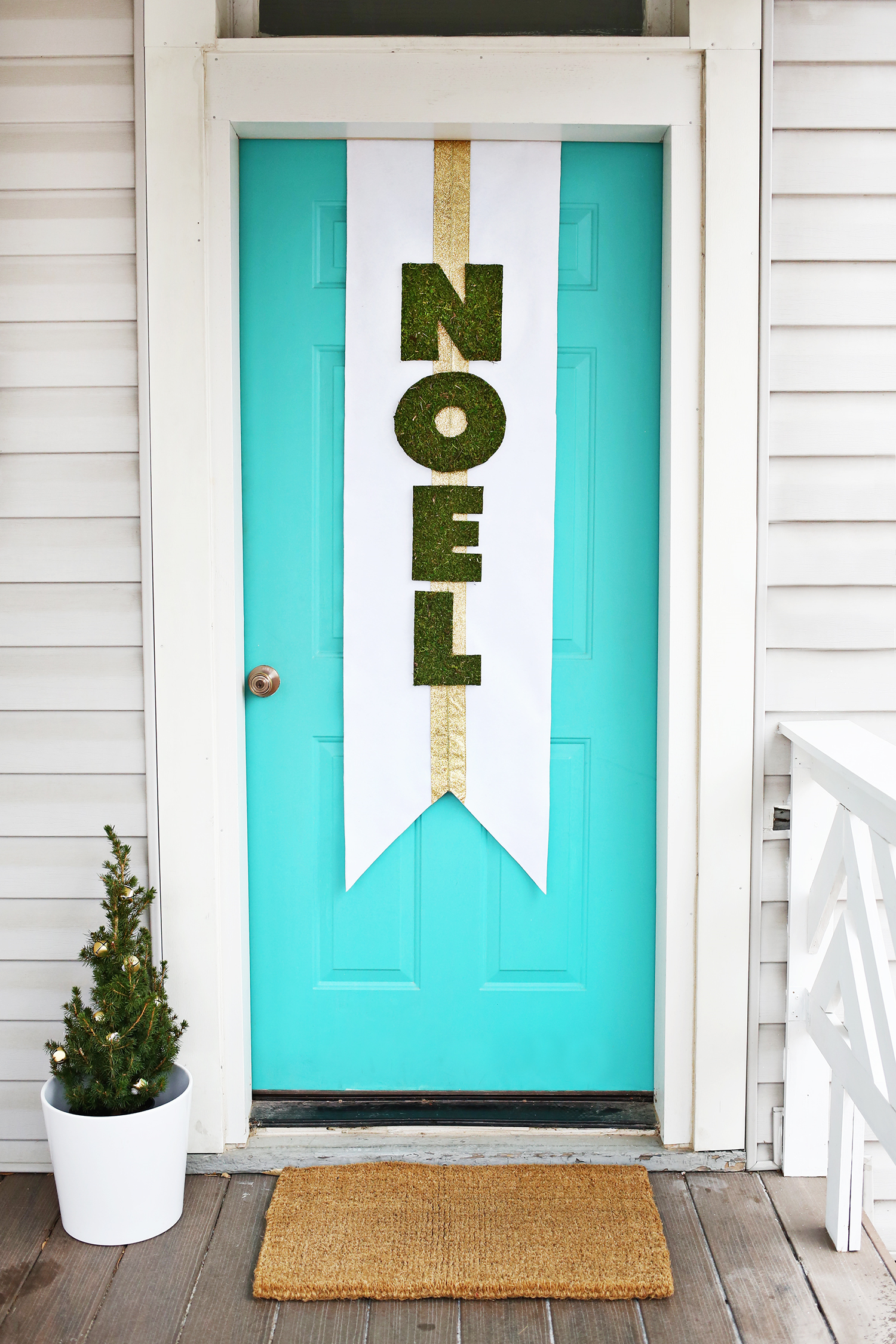 Diy holiday door banner