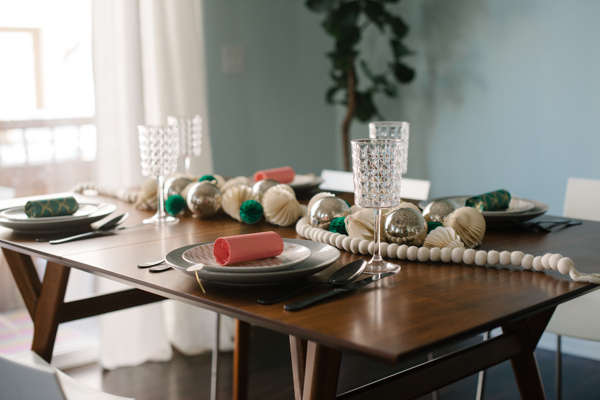Diy party popper tablescape