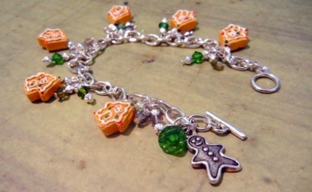 Diy gingerbread charm bracelet