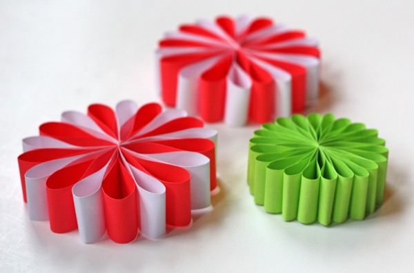 50 diy paper christmas ornaments to create with the kids tonight paper flowers mightylinksfo