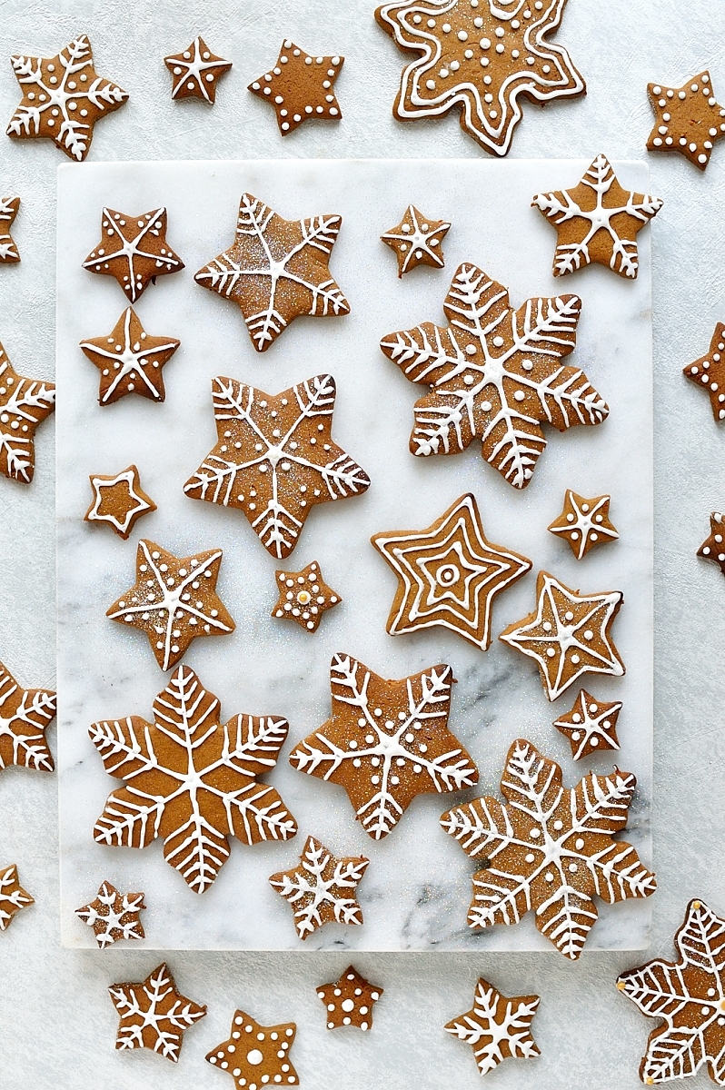 Iced gingerbread cookies