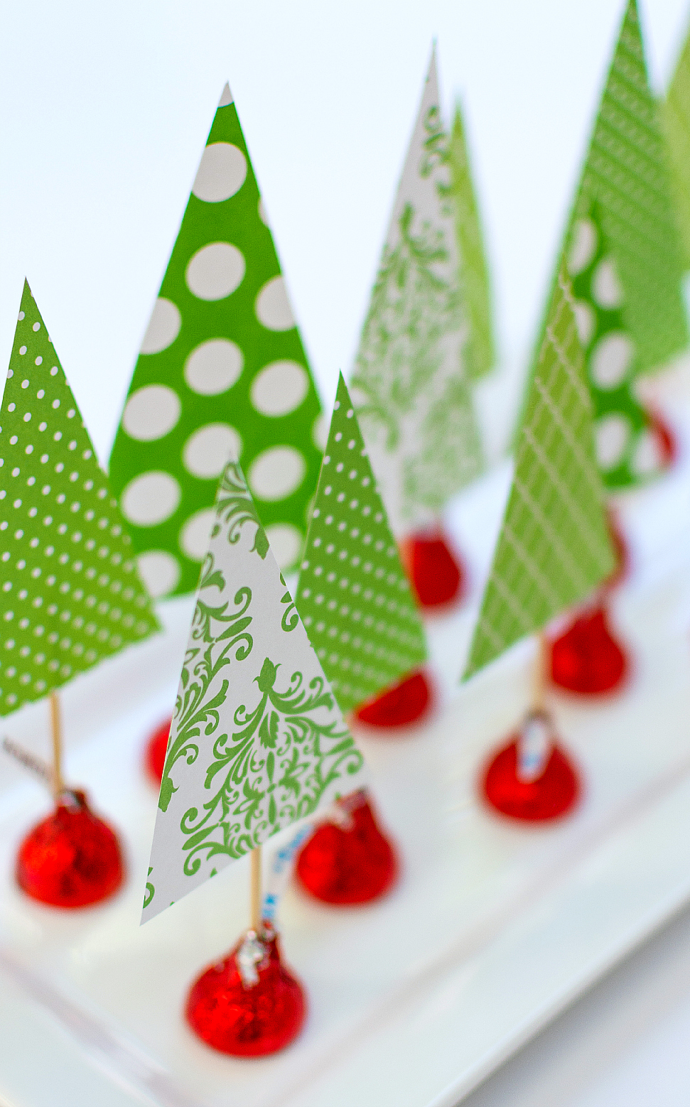 38 hershey kiss trees - Christmas Dinner Decorations