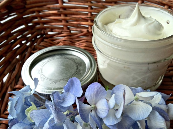 Homemade lavender shaving cream