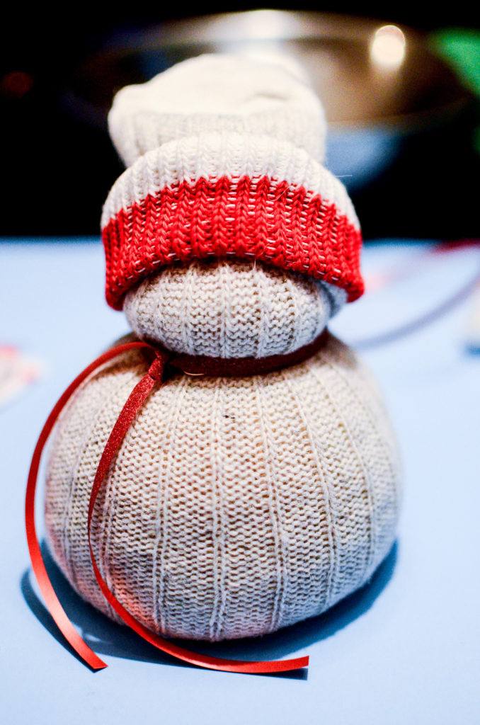 How to make sock snowmen craft