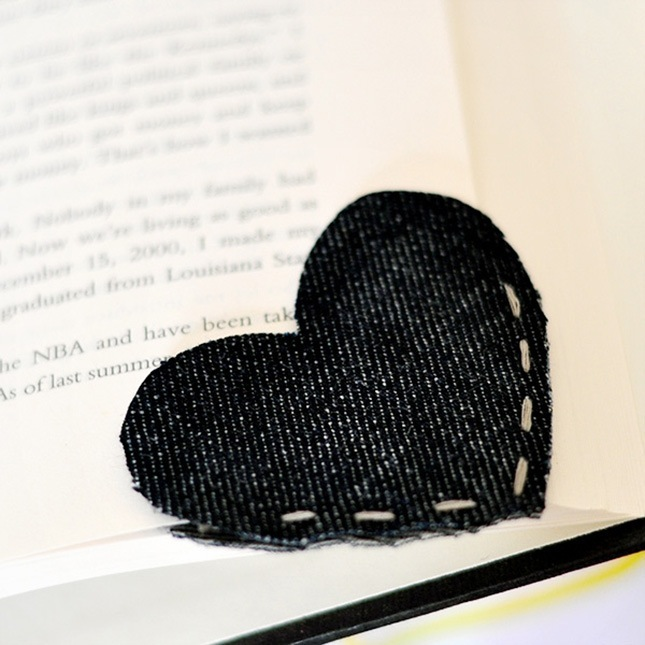 Old denim heart corner bookmark