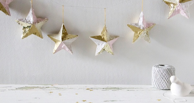 Star ornament garland