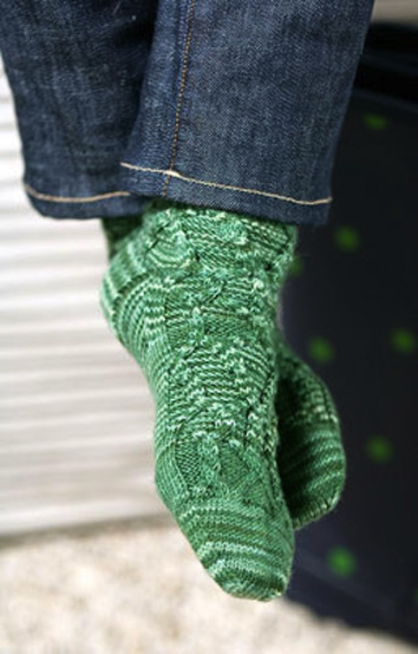 Tilting cable socks