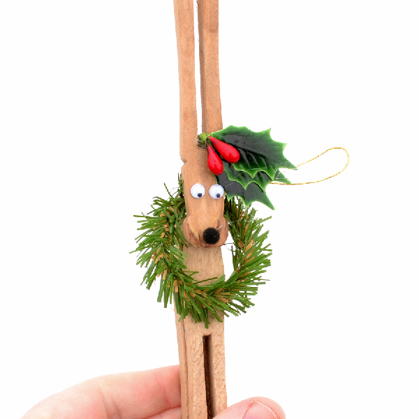 Clothespin reindeer ornament diy
