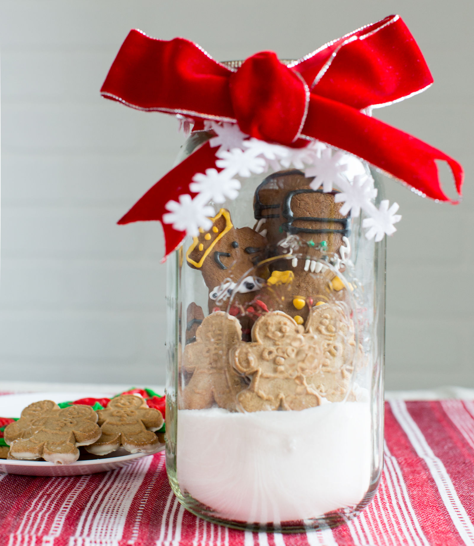 Diy cookie jar centerpiece