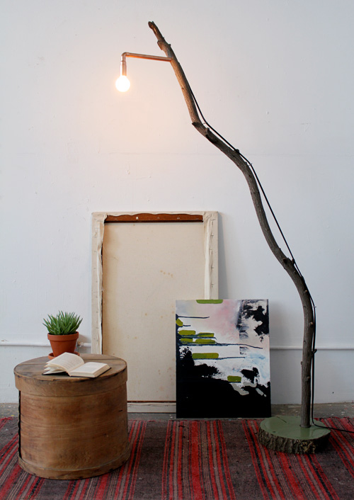 Light up the living room with these 25 diy floor lamps diy copper branch floor lamp solutioingenieria Image collections