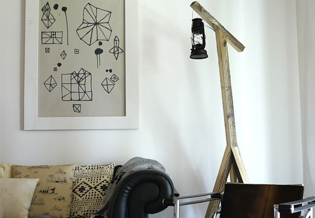 Light up the living room with these 25 diy floor lamps diy natural lantern floor lamp solutioingenieria Image collections
