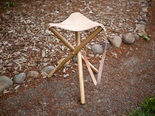 Diy tripod camping stooll
