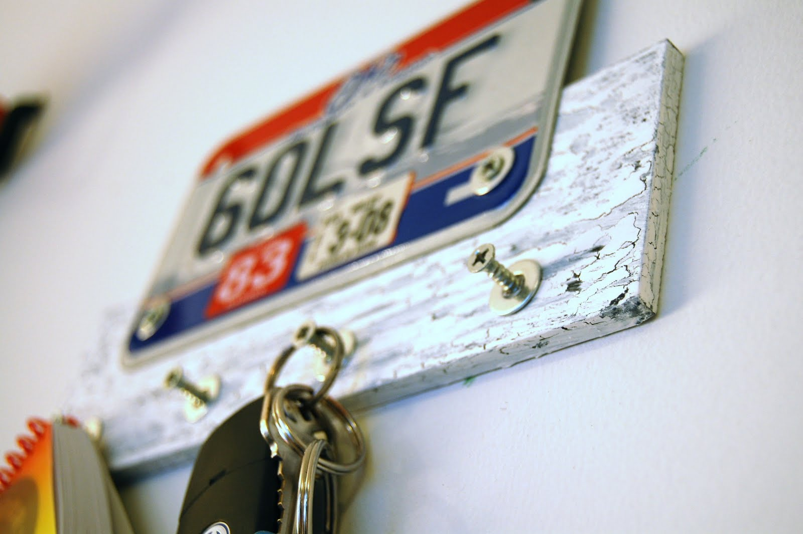 License plate key rack