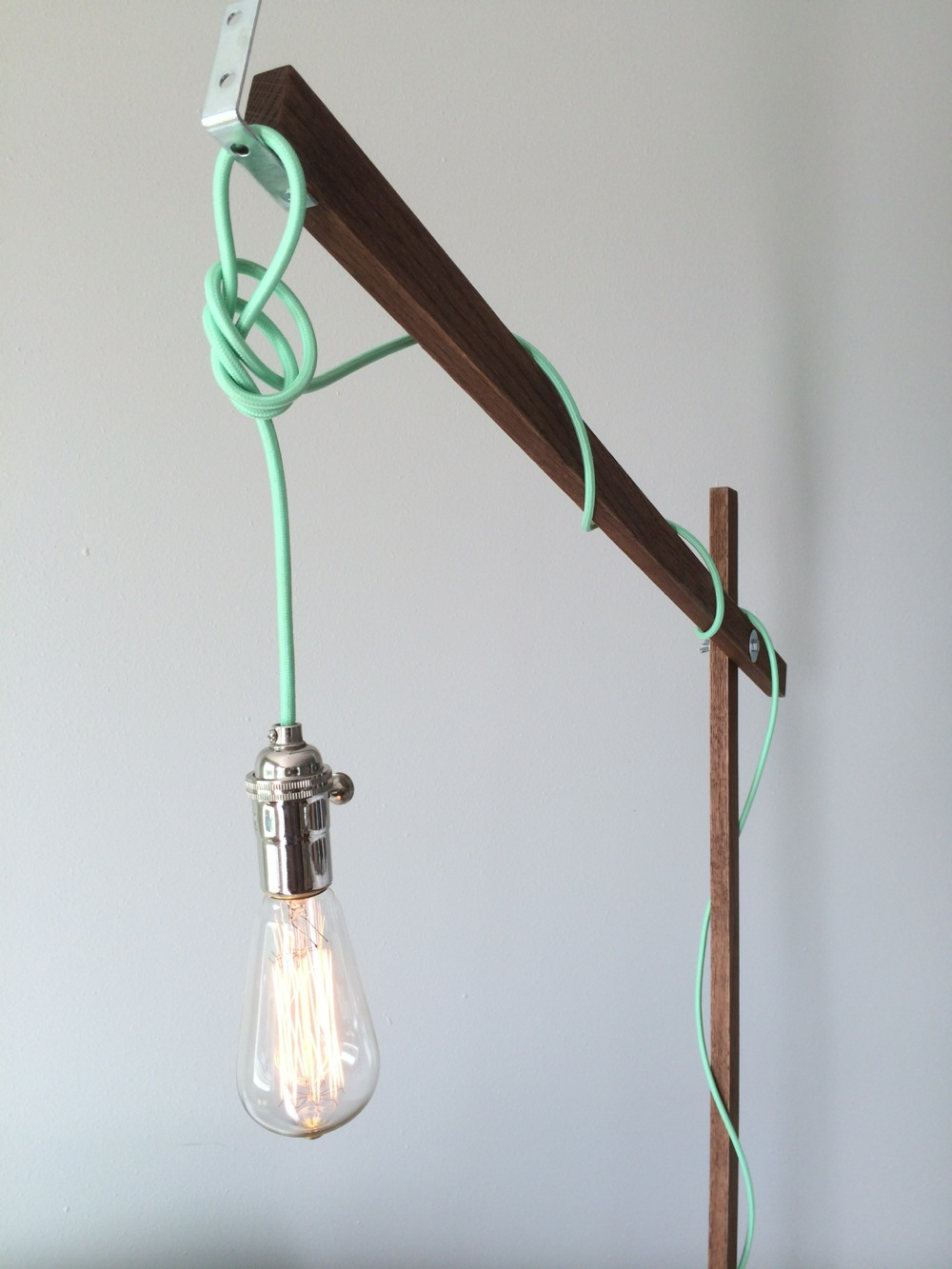 Light up the living room with these 25 diy floor lamps for How to make an industrial lamp
