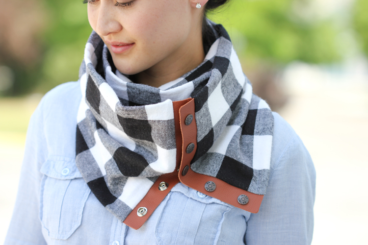Plaid snap scarf diy