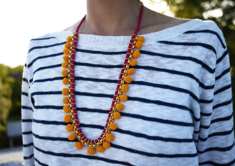 Pom pom necklace diy gift