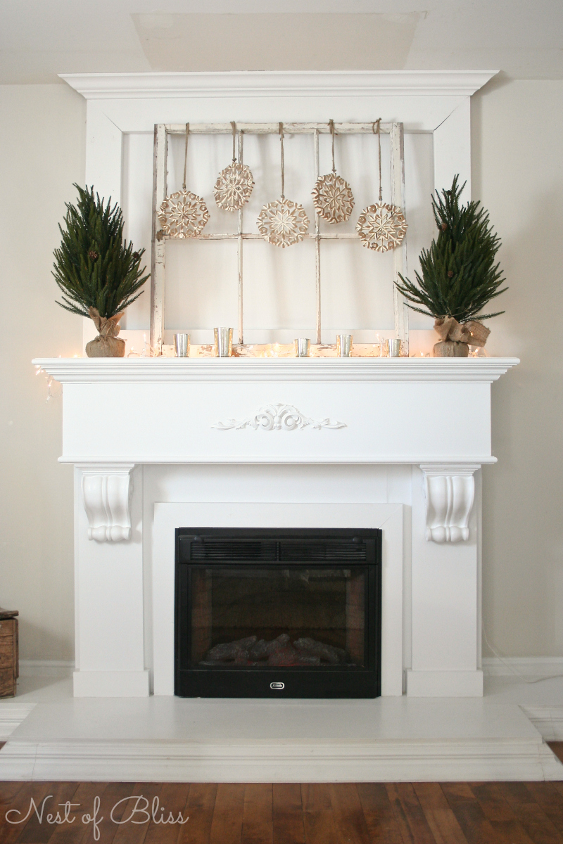 Snowflake simple mantel & 25 Winter Fireplace Mantel Decorating Ideas